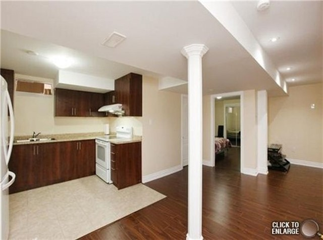Detached at 75 Peace Valley Cres, Brampton, Ontario. Image 11