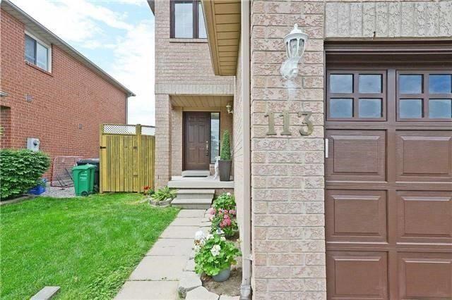 Semi-detached at 113 Saddletree Tr, Brampton, Ontario. Image 12