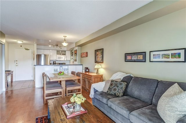 Condo Apartment at 2300 Parkhaven Blvd, Unit 312, Oakville, Ontario. Image 14