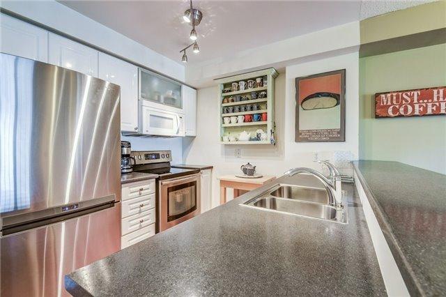 Condo Apartment at 2300 Parkhaven Blvd, Unit 312, Oakville, Ontario. Image 15