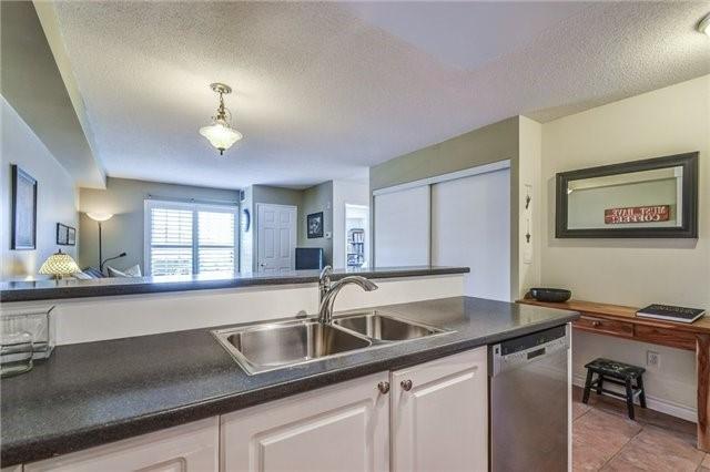 Condo Apartment at 2300 Parkhaven Blvd, Unit 312, Oakville, Ontario. Image 16