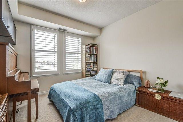 Condo Apartment at 2300 Parkhaven Blvd, Unit 312, Oakville, Ontario. Image 2