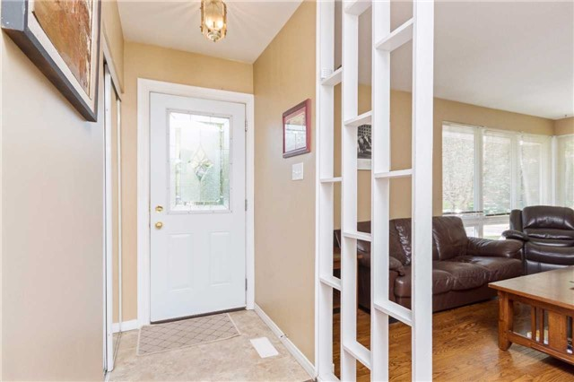 Detached at 1100 Falgarwood Dr, Oakville, Ontario. Image 14