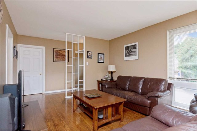 Detached at 1100 Falgarwood Dr, Oakville, Ontario. Image 17