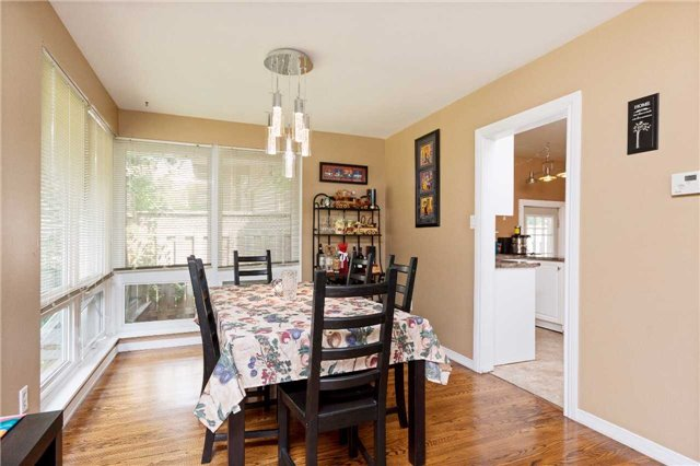 Detached at 1100 Falgarwood Dr, Oakville, Ontario. Image 20