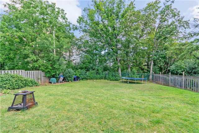 Detached at 1100 Falgarwood Dr, Oakville, Ontario. Image 13