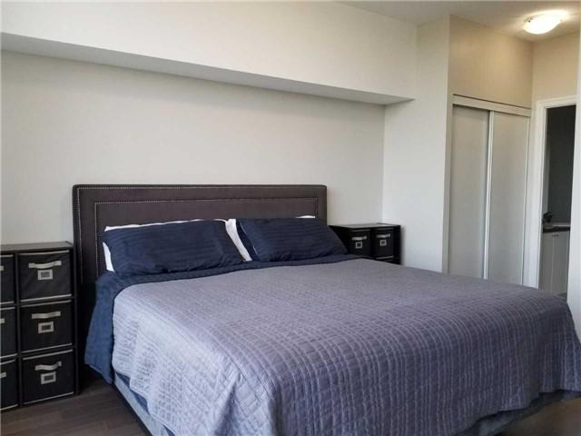 Condo Apartment at 223 Webb Dr, Unit 303, Mississauga, Ontario. Image 4