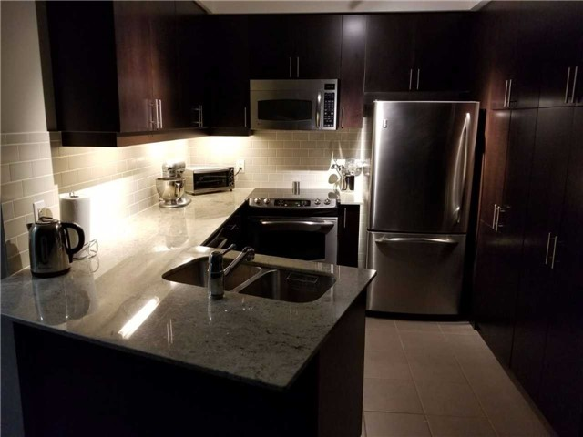 Condo Apartment at 223 Webb Dr, Unit 303, Mississauga, Ontario. Image 9