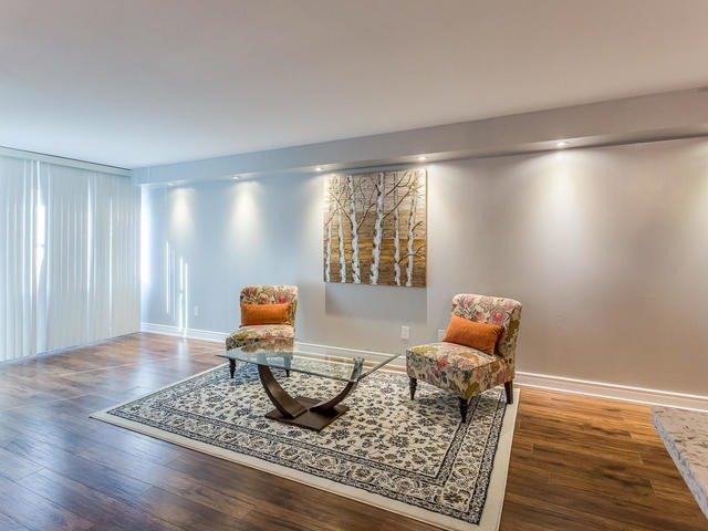 Condo Apartment at 50 Elm Dr E, Unit 404, Mississauga, Ontario. Image 15