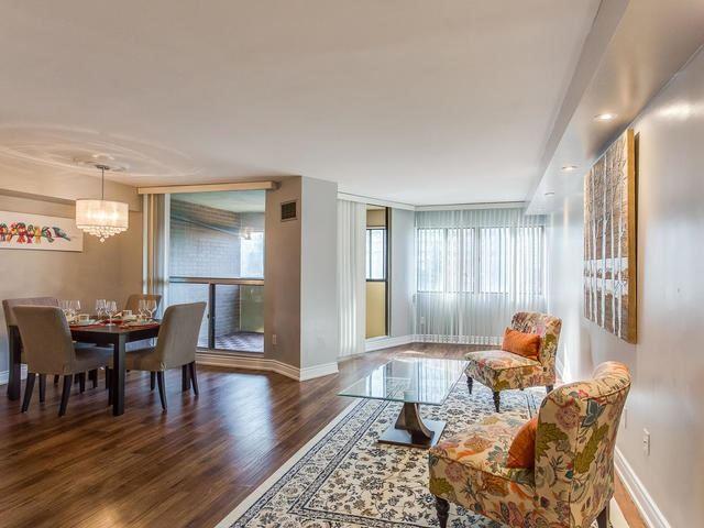 Condo Apartment at 50 Elm Dr E, Unit 404, Mississauga, Ontario. Image 3