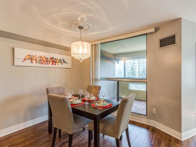 Condo Apartment at 50 Elm Dr E, Unit 404, Mississauga, Ontario. Image 4