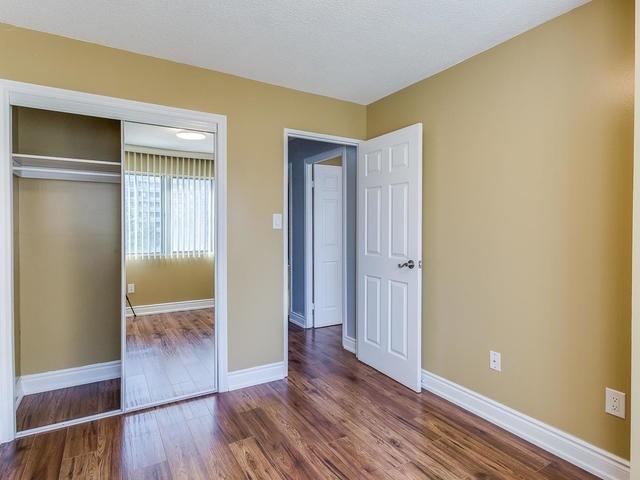 Condo Apartment at 50 Elm Dr E, Unit 404, Mississauga, Ontario. Image 9