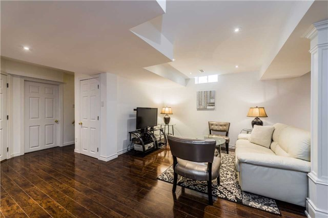 Detached at 2557 Harman Gate, Oakville, Ontario. Image 19