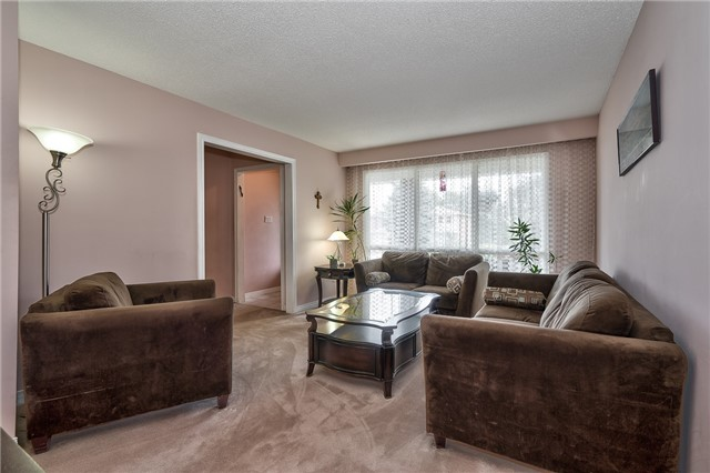 Detached at 1431 Harmsworth Sq, Oakville, Ontario. Image 14