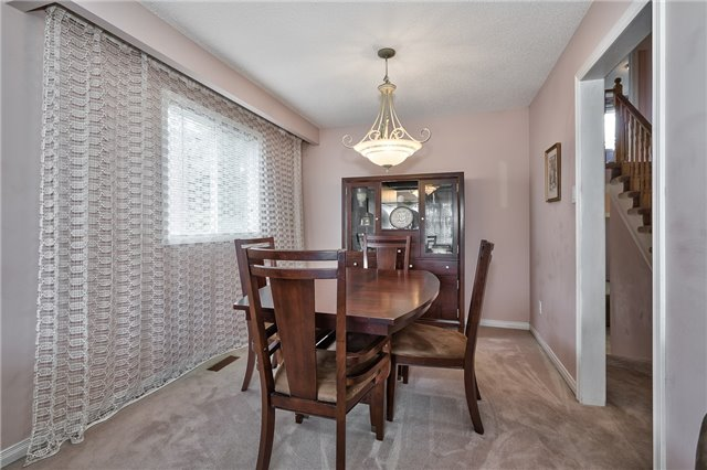 Detached at 1431 Harmsworth Sq, Oakville, Ontario. Image 15
