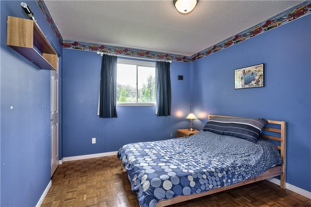 Detached at 1431 Harmsworth Sq, Oakville, Ontario. Image 18