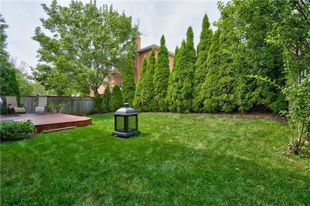 Detached at 1431 Harmsworth Sq, Oakville, Ontario. Image 11