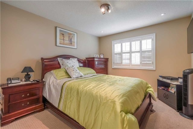 Semi-detached at 56 Feathertop Lane, Brampton, Ontario. Image 2