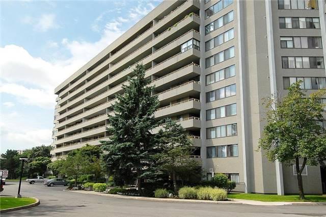 Condo Apartment at 1320 Mississauga Valley Blvd, Unit 310, Mississauga, Ontario. Image 1