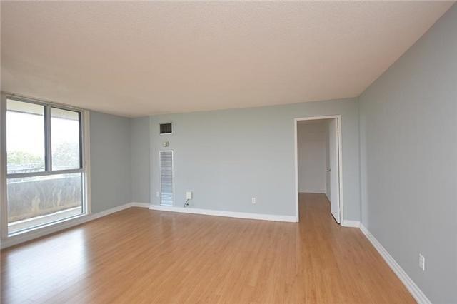 Condo Apartment at 1320 Mississauga Valley Blvd, Unit 310, Mississauga, Ontario. Image 14