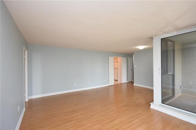 Condo Apartment at 1320 Mississauga Valley Blvd, Unit 310, Mississauga, Ontario. Image 17