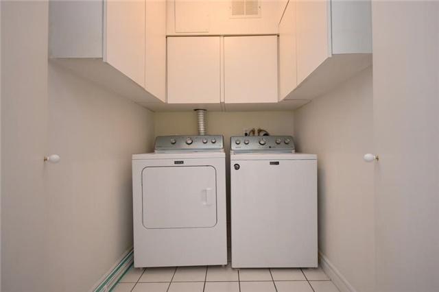 Condo Apartment at 1320 Mississauga Valley Blvd, Unit 310, Mississauga, Ontario. Image 2