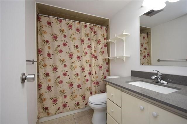 Condo Apartment at 1320 Mississauga Valley Blvd, Unit 310, Mississauga, Ontario. Image 5