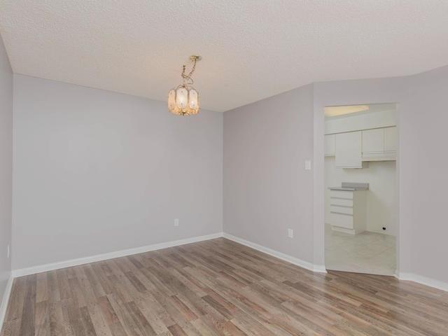 Condo Apartment at 10 Laurelcrest St, Unit 1104, Brampton, Ontario. Image 14