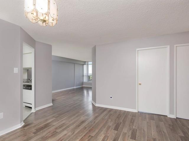 Condo Apartment at 10 Laurelcrest St, Unit 1104, Brampton, Ontario. Image 15