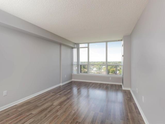 Condo Apartment at 10 Laurelcrest St, Unit 1104, Brampton, Ontario. Image 18