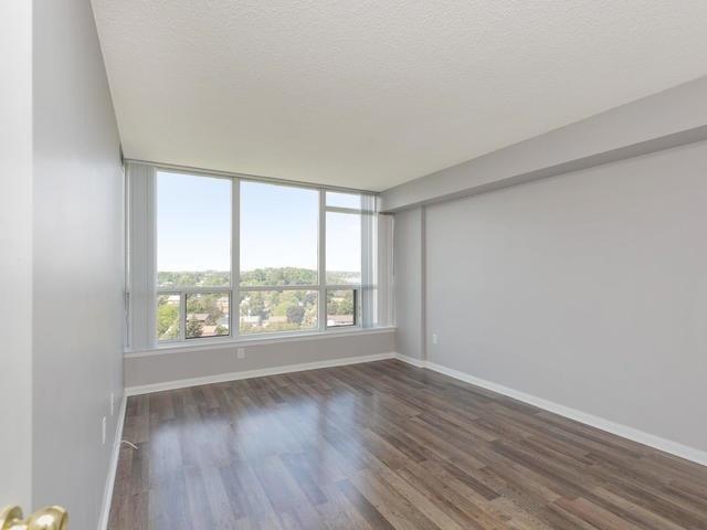Condo Apartment at 10 Laurelcrest St, Unit 1104, Brampton, Ontario. Image 2