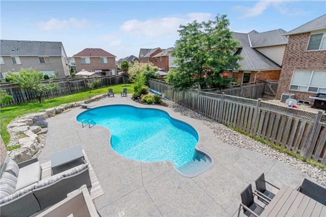 Detached at 894 Chambers Pl, Milton, Ontario. Image 11
