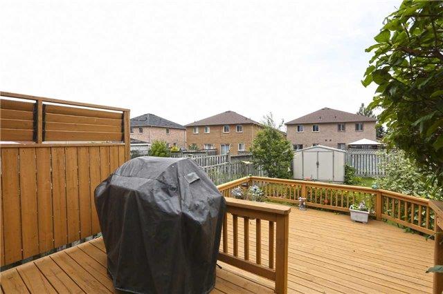 Detached at 25 Trailridge Dr, Brampton, Ontario. Image 6