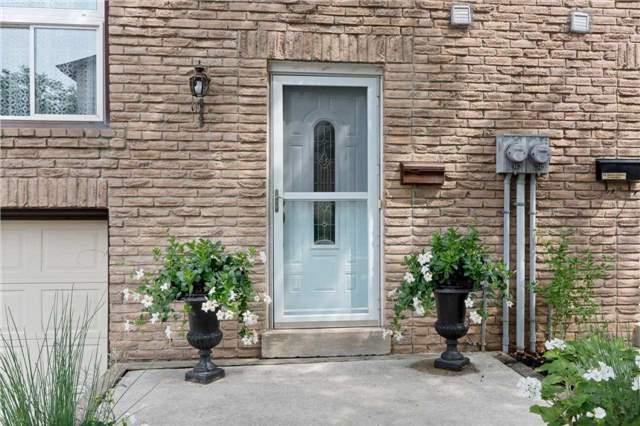 Condo Townhouse at 403 Ontario St N, Milton, Ontario. Image 12
