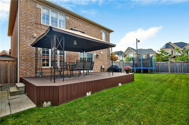 Detached at 719 Casarin Cres, Milton, Ontario. Image 13