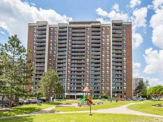 Condo Apartment at 17 Knightsbridge Rd, Unit 410, Brampton, Ontario. Image 1