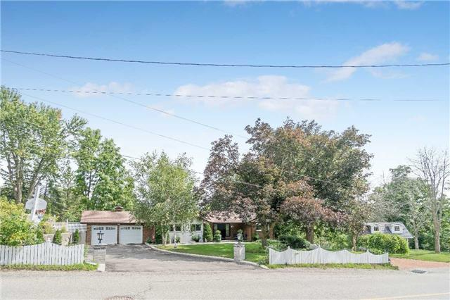 Detached at 19 Stewarttown Rd, Halton Hills, Ontario. Image 12