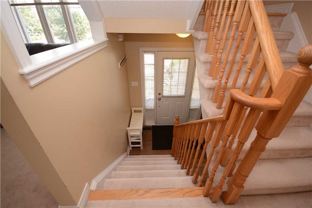 Townhouse at 3125 Highbourne Cres, Oakville, Ontario. Image 6