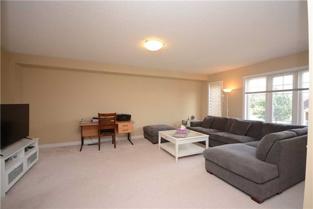 Townhouse at 3125 Highbourne Cres, Oakville, Ontario. Image 7