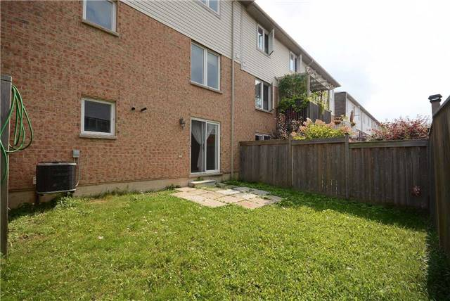 Townhouse at 3125 Highbourne Cres, Oakville, Ontario. Image 5