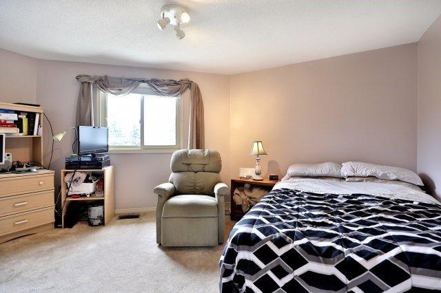 Detached at 3444 Ingram Rd, Mississauga, Ontario. Image 6