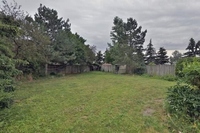 Detached at 3444 Ingram Rd, Mississauga, Ontario. Image 10