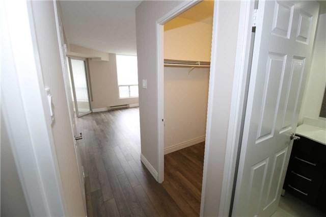 Condo Apartment at 4470 Tucana Crt, Unit 707, Mississauga, Ontario. Image 6