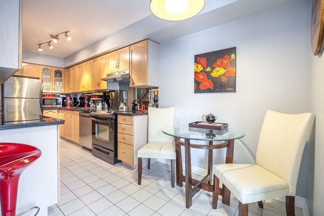 Condo Townhouse at 1211 Parkwest Pl, Unit 12, Mississauga, Ontario. Image 19