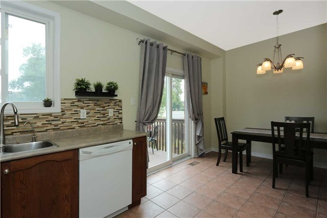 Semi-detached at 7155 Magistrate Terr W, Unit 137, Mississauga, Ontario. Image 17