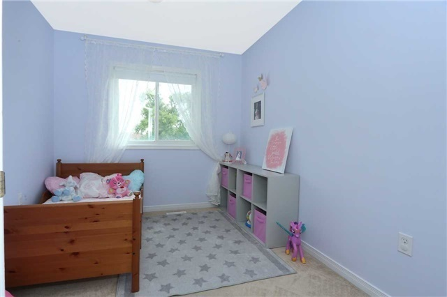 Semi-detached at 7155 Magistrate Terr W, Unit 137, Mississauga, Ontario. Image 4