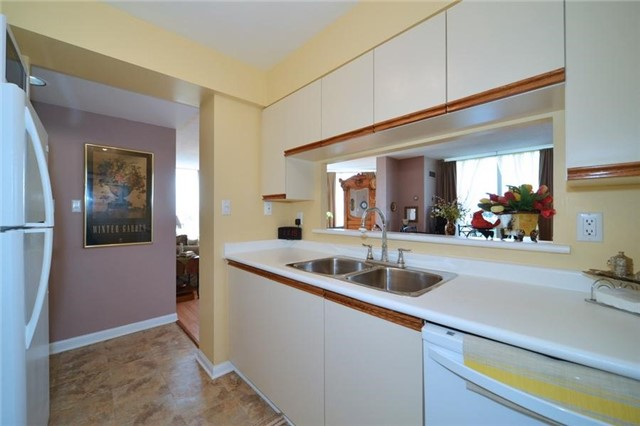 Condo With Common Elements at 3 Hickory Tree Rd, Unit 503, Toronto, Ontario. Image 18