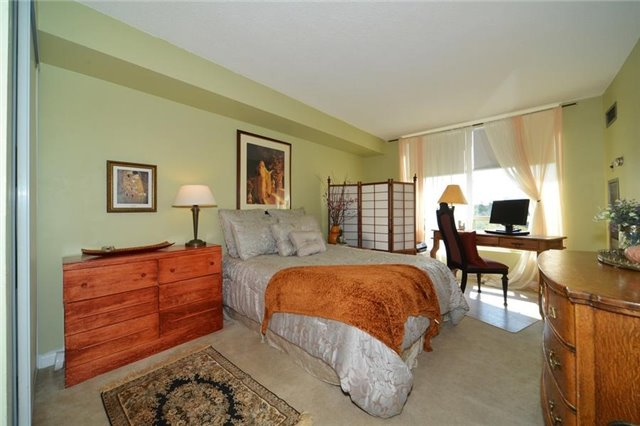 Condo With Common Elements at 3 Hickory Tree Rd, Unit 503, Toronto, Ontario. Image 5