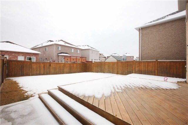 Detached at 73 Summitgreen Cres, Brampton, Ontario. Image 13