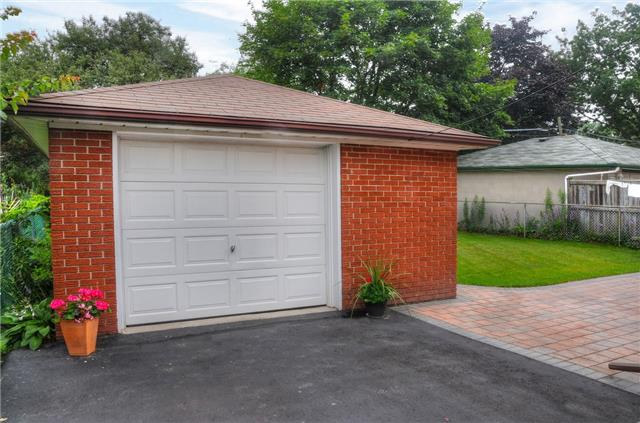 Detached at 58 Coules Crt, Toronto, Ontario. Image 15